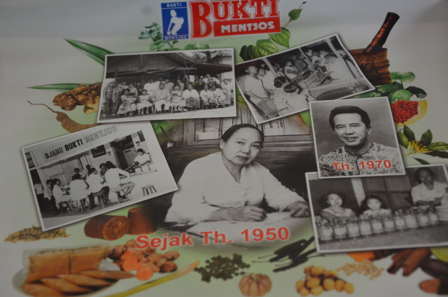 Rohmuli's grandmother opened Warung Jamu Bukti Mentjos in Salemba in the 1950s. (JG Photo/Cahya Nugraha)