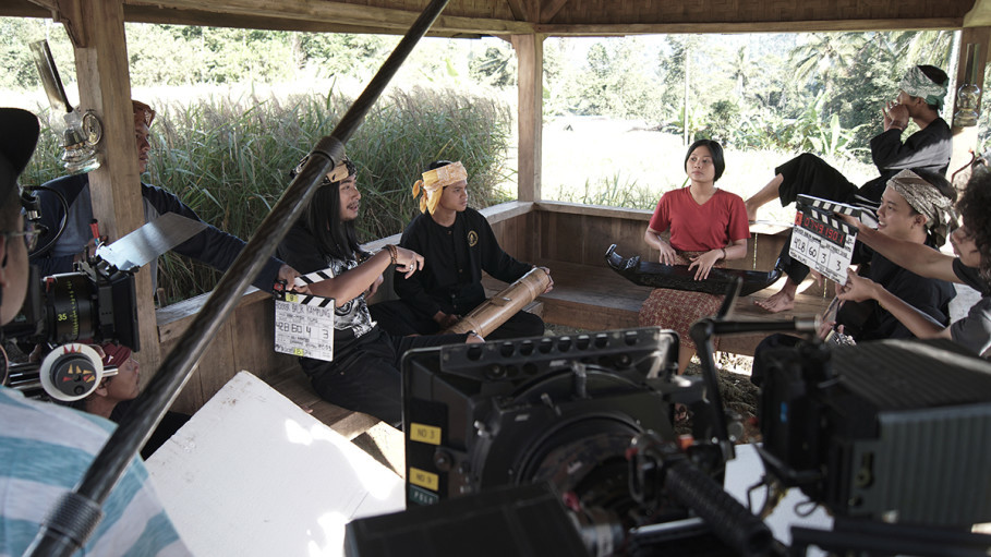 Shooting 'Rocker Balik Kampung' in a real traditional village (kasepuhan) in Sukabumi, West Java. (Photo courtesy of MSH Films)