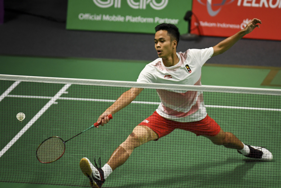 Anthony Sinisuka Ginting competes with China's Shi Yuqi. (JG Photo/Yudha Baskoro)
