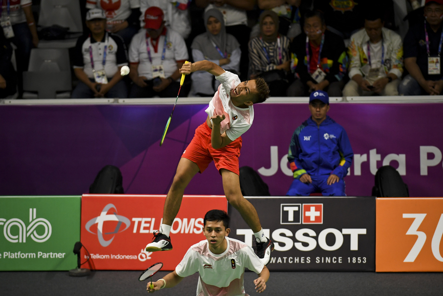 Fajar Alfian and Muhammad Rian Ardianto compete with China's Zhang Nan and Liu Cheng. (JG Photo/Yudha Baskoro)