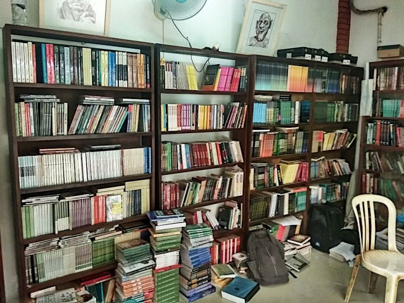 The shelves are never empty at Toko Buku Cak Tarno. (Photo courtesy of Cak Tarno)