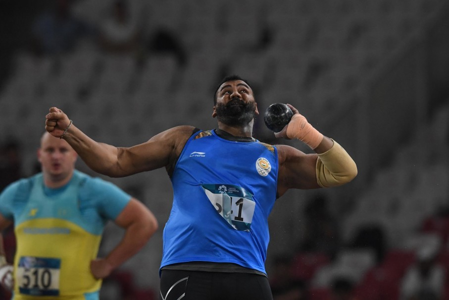 Indian shot-putter Tajinderpal Toor Singh wins gold at the 2018 Asian Games. (Antara Photo/Inasgoc/Afriadi Hikmal)