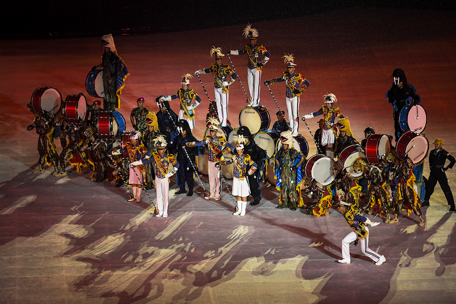 A marching band performing during the closing ceremony. (JG Photo/Yudha Baskoro)