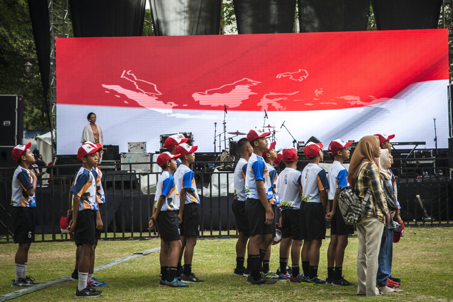 School students attend the ceremony at the Solo City Hall on Wednesday. (JG Photo/Yudha Baskoro)