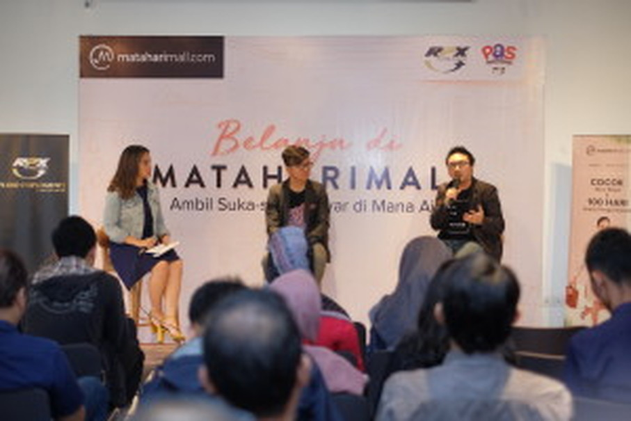 Alvin Aulia Akbar, head of business development at MatahariMall.com, speaking about Super September during the press conference. (Photo courtesy of Iris Jakarta)