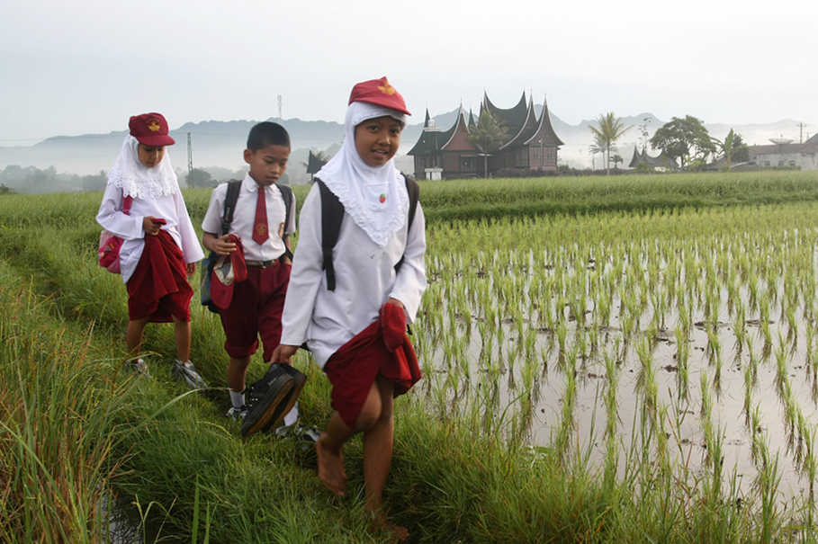 Education Report Shows Indonesia Losing Ground