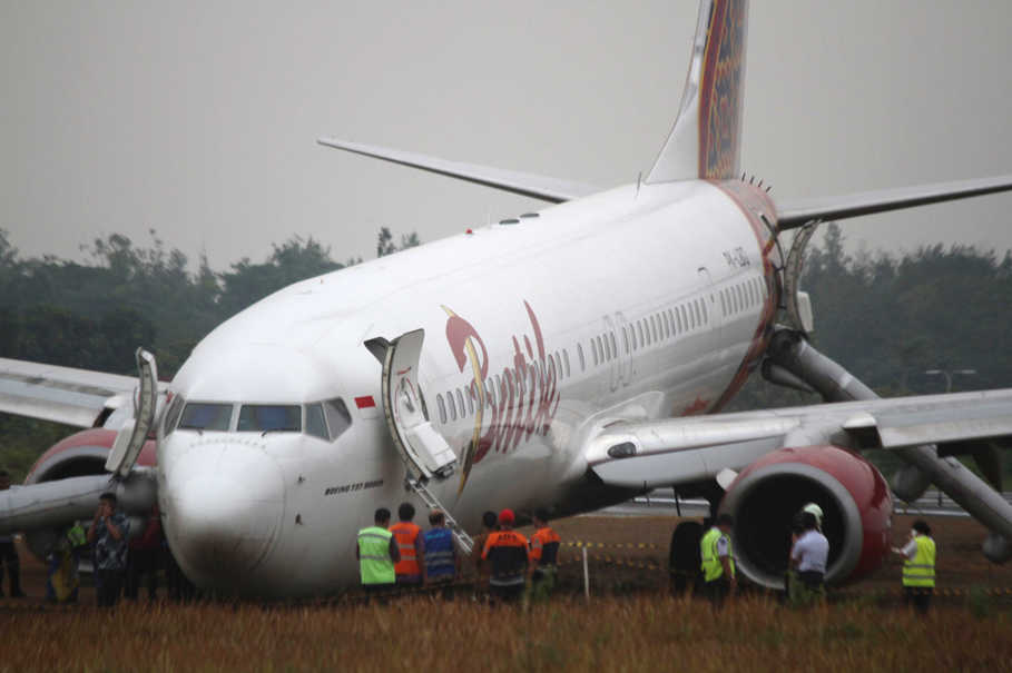 Batik air suspended from operating jakarta yogyakarta route batik air suspended from operating jakarta yogyakarta route following botched landing stopboris Image collections