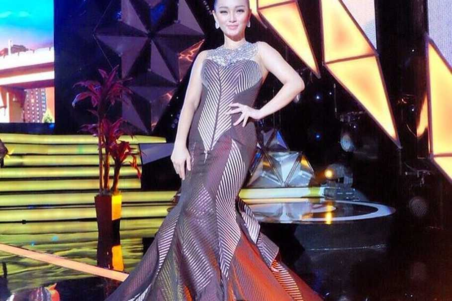 Dangdut singer zaskia gotik in hot water over pancasila comments dangdut singer zaskia gotik in hot water over pancasila comments reheart Gallery