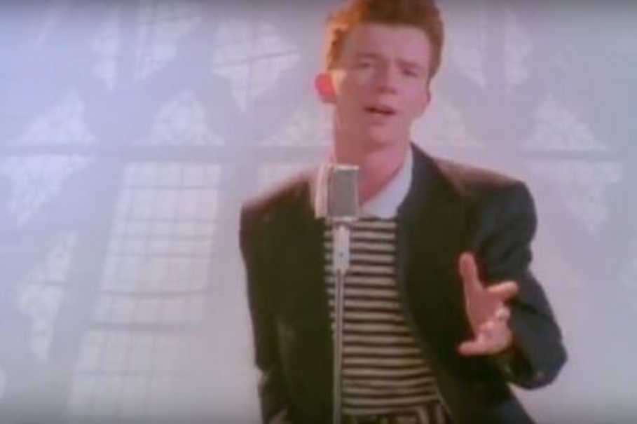 Rick Astley Never Gonna Give You Up Video Youtube - 909×605
