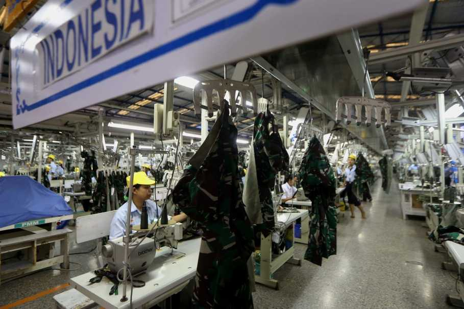 INDONESIA'S MANUFACTURING INDUSTRY CONTRACTS IN FEBRUARY
