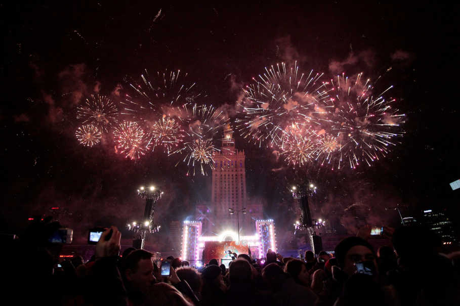 Warsaw welcomes the new year with fireworks near the Palace of Culture on Jan. 1, 2017. (Reuters Photo/Dawid Zuchowicz)