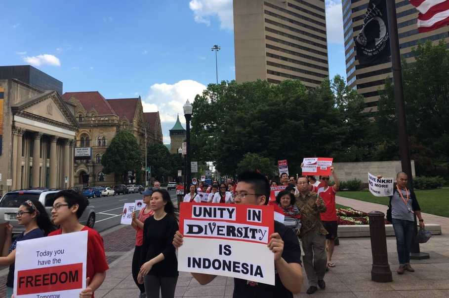 Indonesians march in a peaceful rally in Columbus, Ohio. (Photo courtesy of Vicky H)