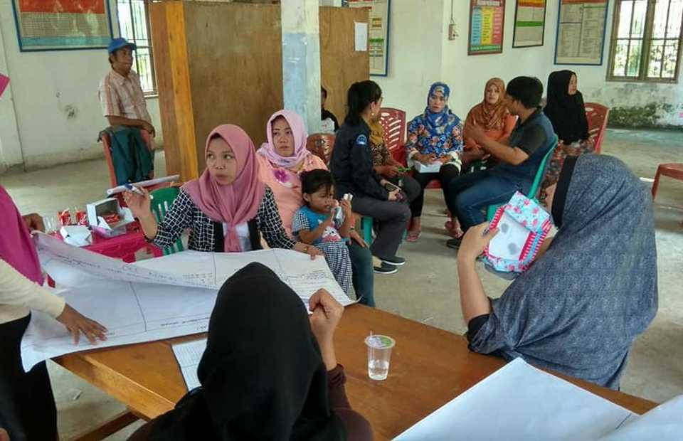 Unicef is supporting the Indonesian government to organize dialogue sessions in villages across the nation to identify local causes of child marriage and offer context-specific solutions. (Photo courtesy of Unicef/Kinanti Pinta Karana)