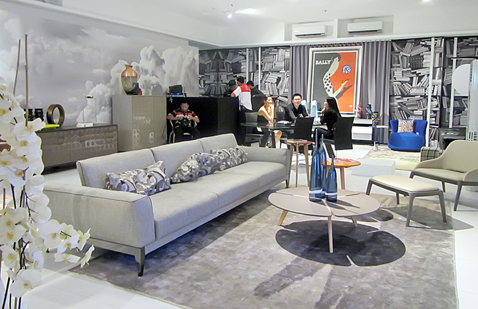 Paris To Your Home With Roche Bobois, Where Is Roche Bobois Furniture Made