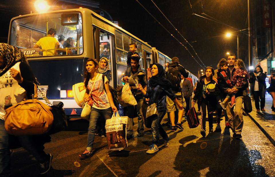 Migrants Stream Into Austria, Swept West by Overwhelmed Hungary