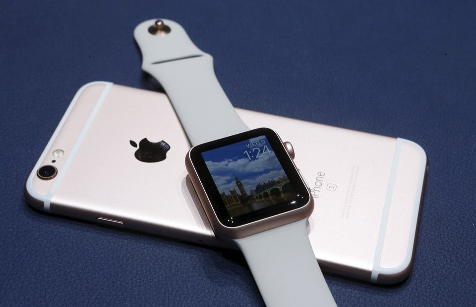 Majority Of Apple Watch Owners Plan To Give It As Gift