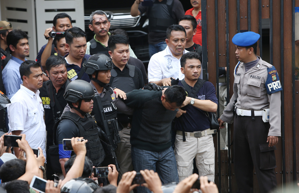 2426fb50b6fd Police Arrest Two in Pondok Indah Armed Robbery Turned Hostage Drama