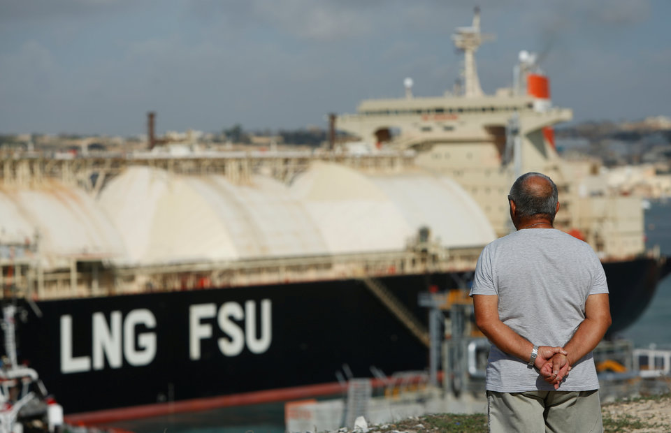 LNG Sellers, Asian Buyers Spar as Contract Fight Brews Amid Supply Glut