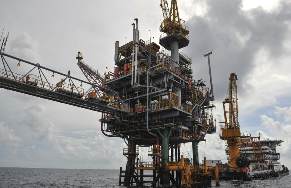 Upstream Oil and Gas Revenue Meets Target in 2017