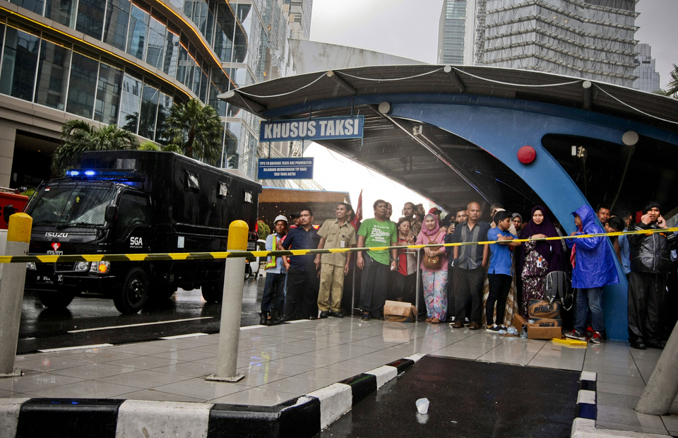 Floor Collapses at Indonesia Stock