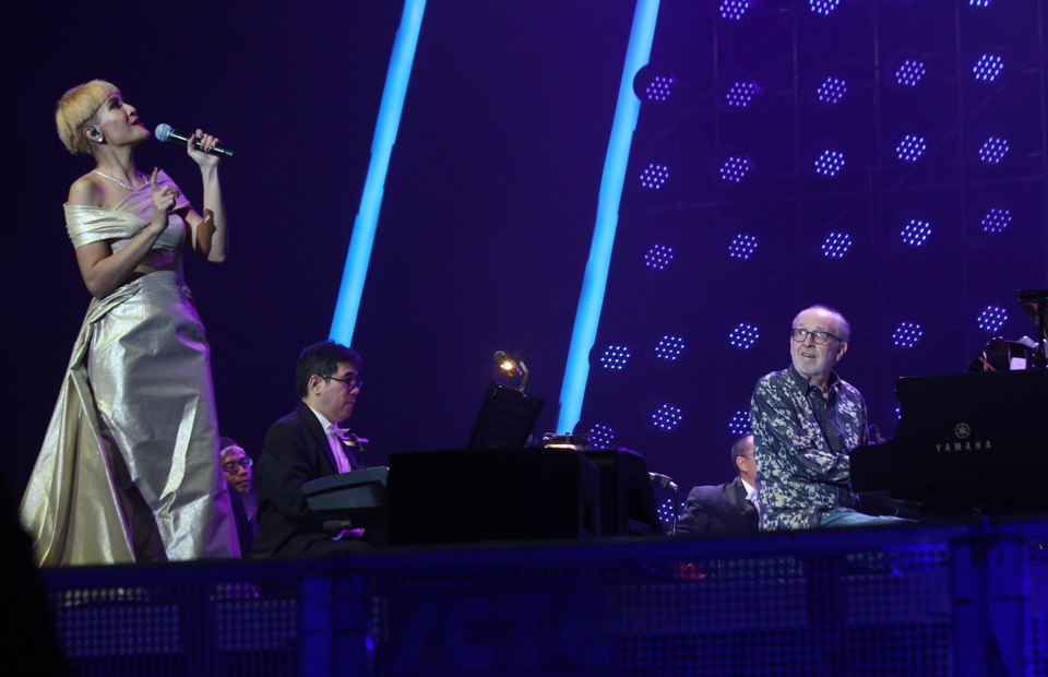 Lea Simanjuntak collaborated with Bob James and Twilite Orchestra on Friday (01/03) at Java Jazz Festival 2019. (B1 Photo/Emral)