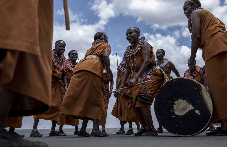 Wameru tribe are doing their traditional dancing in Arusha, Tanzania on Monday (01/04) The region had a population of 1,694,310 and the Iraqw, Wameru, Sonjo, Chagga, Pare, Nguu and Maasai live together peacefully in Arusha. (JG Photo/Yudha Baskoro)