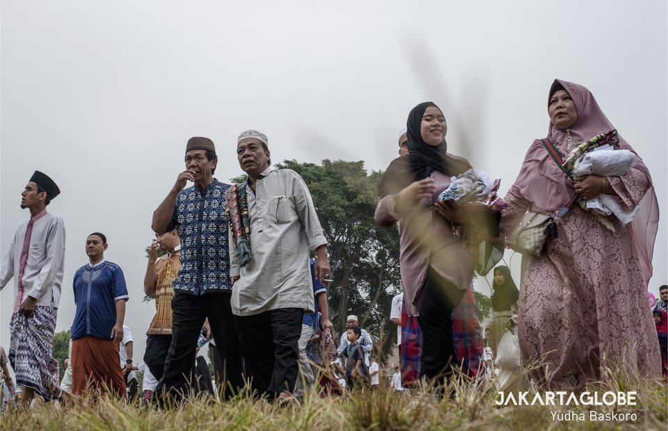 Idul Fitri is also a time for Muslims to maintain friendships through 'silaturahim,' or establishing compassion, by seeking forgiveness from each other for past wrongs. (JG Photo/Yudha Baskoro)