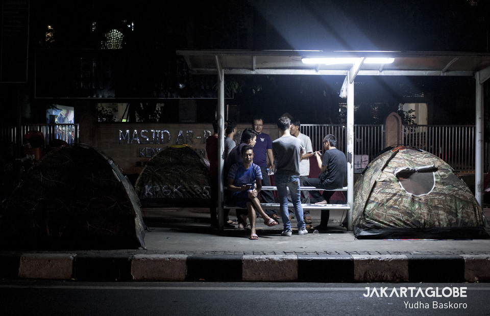 They live in the tiny tent when the night comes in front of Ar-Rayyan mosque at Jalan Kebon Sirih, Central Jakarta on Monday (08/07) (JG Photo/Yudha Baskoro)
