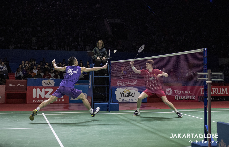 Mens single 91 minutes duel between Taiwanese Chou Tien Chen and Daners Antonsen of Denmark. (JG Photo/Yudha Baskoor)