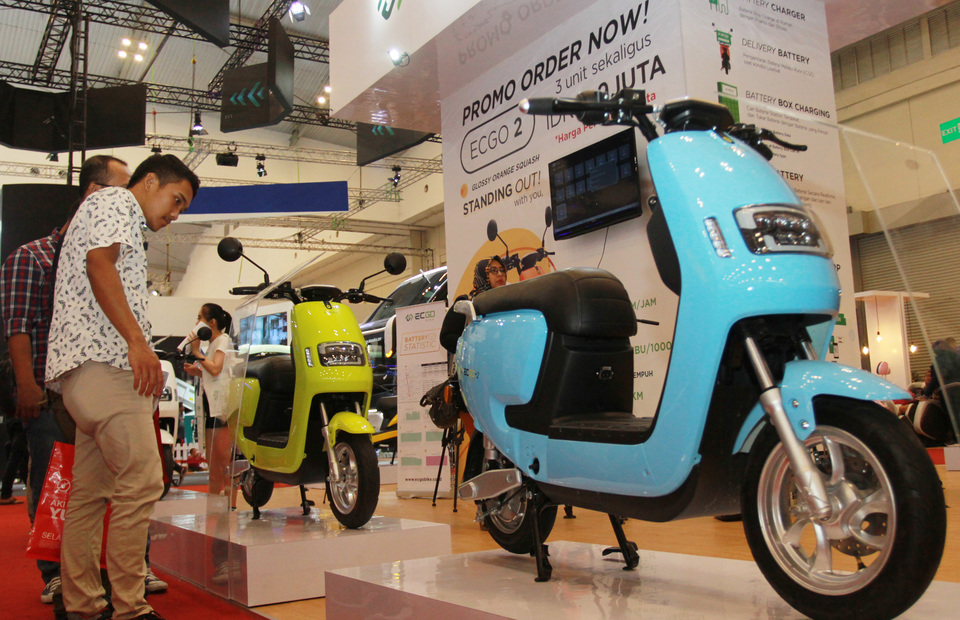 Industry Ministry Partners With Gojek Grab In Electric Vehicle Test