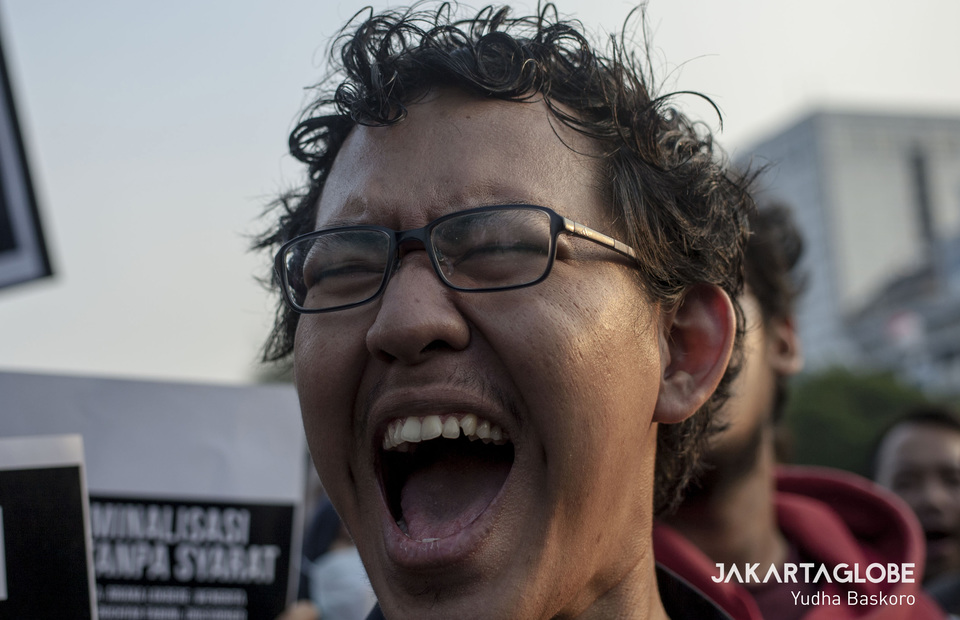 A protester accuses President Jokowi of undemocratic and fascistic behavior. (JG Photo/Yudha Baskoro)