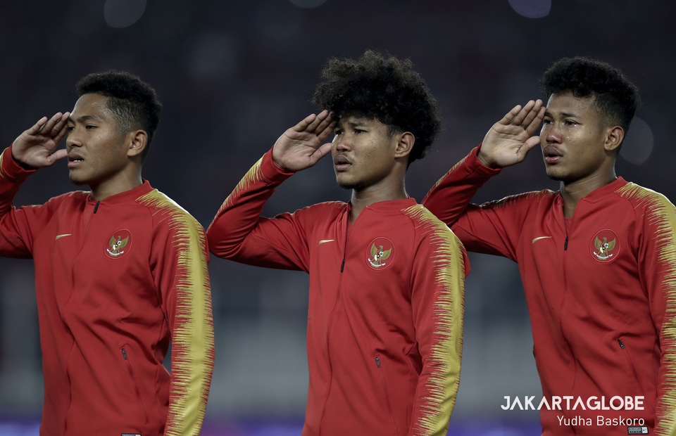 Muhammad Fajar Fathur, Bagus Kahfi and Bagas Kahfi were touched when singing the Indonesia national anthem. (JG Photo/Yudha Baskoro)