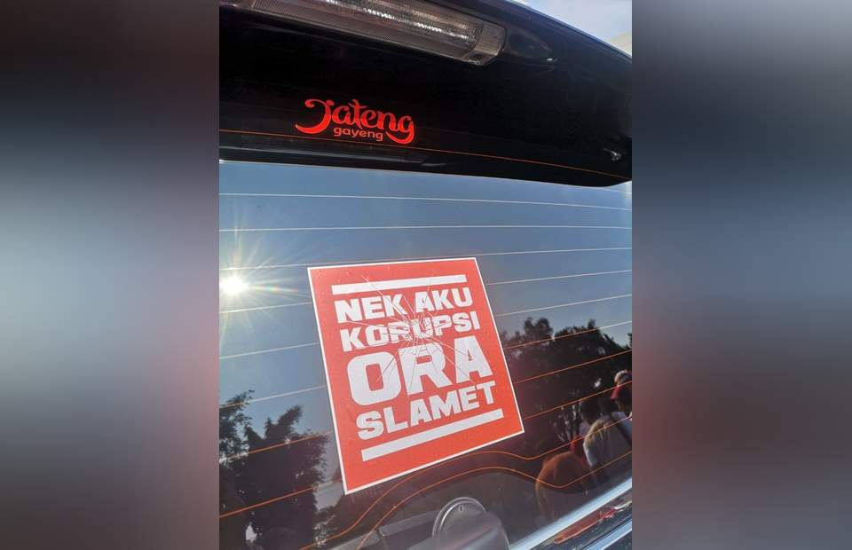 Car sticker on anti-corruption (Photo courtesy of Central Java government)