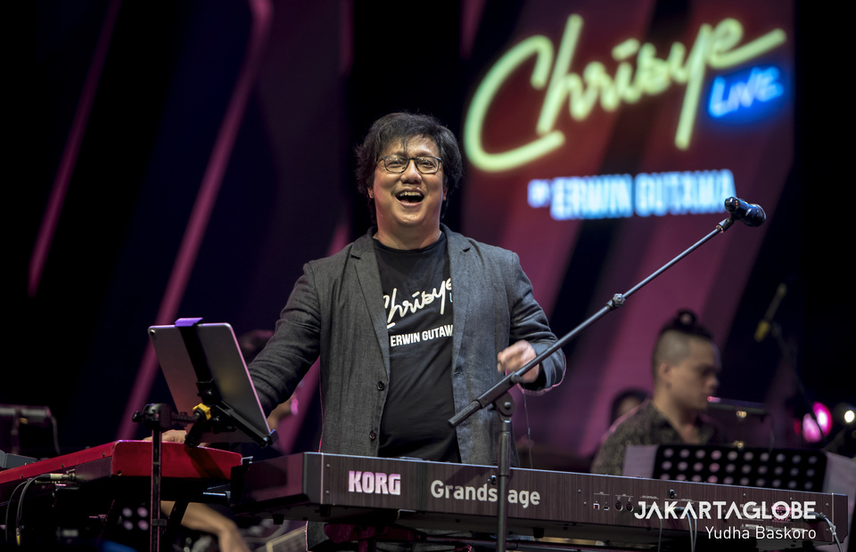 Erwin Gutawa and his band play a tribute song to Chrisye at Java Jazz 2020 in JIExpo Kemayoran in West Jakarta on Friday (28/02). (JG Photo/Yudha Baskoro)
