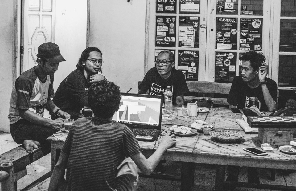 Didi Kempot fans held a discussion forum in Rumah Blogger Indonesia in Solo, Central Java.