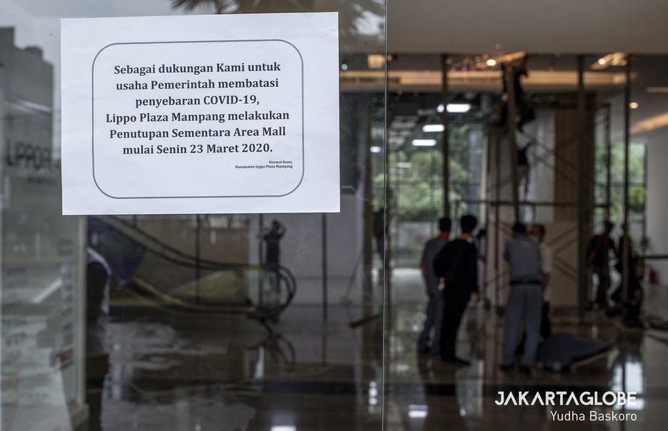 Lippo Plaza Mampang is temporary closed as Siloam Hospital occupying the departement center to be a makeshift COVID-19 hospital. (JG Photo/Yudha Baskoro)