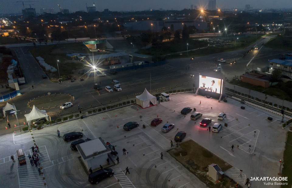 Aerial view shows screening at a parking lot in District 1, Meikarta in Central Cikarang, Bekasi, West Java on Tuesday (02/06). (JG Photo/Yudha Baskoro)