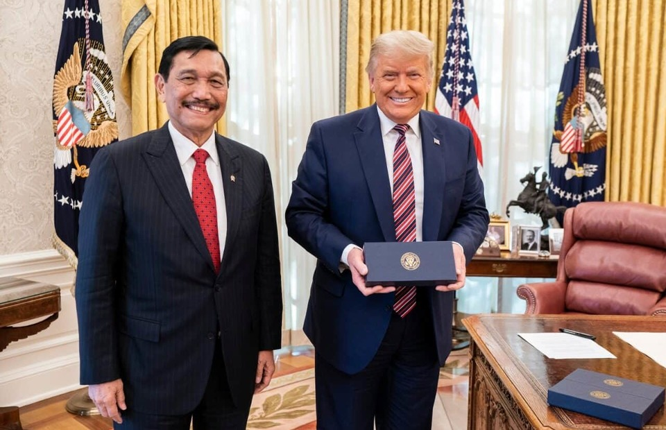 Chief Investment Minister Luhut Binsar Panjaitan is received by US President Donald Trump at the White House in Washington DC on Nov. 17, 2020. (Photo Courtesy of the Coordinating Ministry for Martime Affairs and Investment)