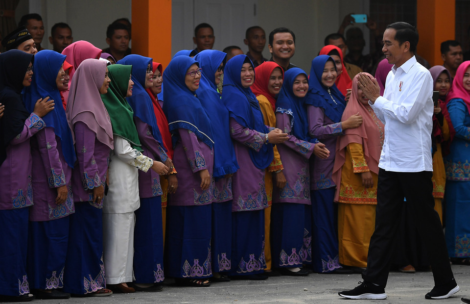 President Joko 'Jokowi' Widodo reopened the newly renovated Islamic Junior High School No. 3 in Pekanbaru, Riau, on February 21, 2020. The government is currently in the process of renovating 127 schools, two madrasahs (Islamic school) and one state university in Riau at a cost of Rp 355.5 billion ($26 million). (Antara Photo/Sigid Kurniawan)
