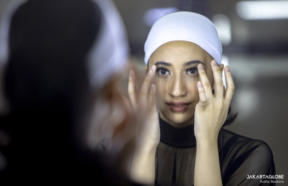 A ballerina wearing make up during virtual showcase interval at Gedung Kesenian Jakarta in Central Jakarta on Feb 21, 2021. (JG Photo/Yudha Baskoro)
