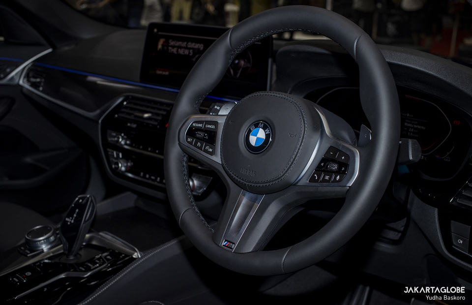 Inside the cockpit of the BMW 520i M Sport is seen during Indonesia International Motor Show (IIMS) Hybrid 2021 at JIexpo Kemayoran in Central Jakarta on April 15, 2021. (JG Photo/Yudha Baskoro)