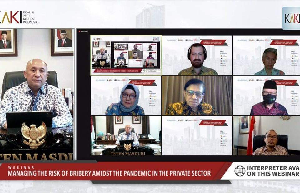 Cooperatives and SMEs Minister Teten Masduki, left, speaks during a webinar on 'Managing the Risk of Bribery Amidst the Pandemic in the Private Sector' on August 31, 2021. (Videography)